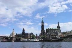 2007 Elbe Dresden mit Frauenkirche